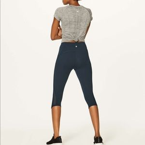 Lululemon train crop sz 4